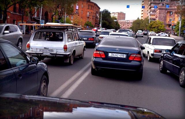 Штраф за выезд на встречную полосу движения через сплошную линию, сколько придется заплатить водителю за пересечение двойной сплошной