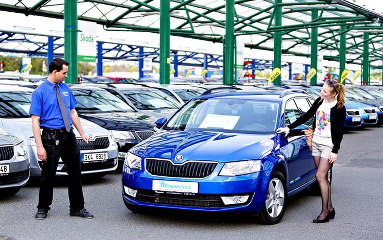 Покупка атомобиля в автосалоне