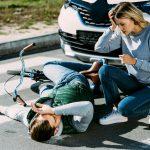 Что ждет водителя при совершении ДТП с пострадавшими, в случае причинения тяжкого, среднего и легкого вреда здоровью: административная и уголовная ответственность