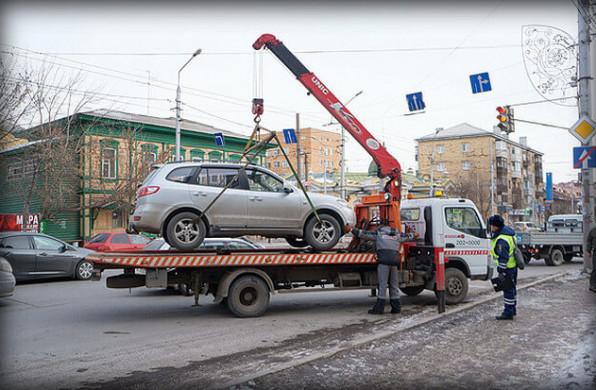 Штраф за парковку во втором ряду – наказание за нарушение п. 12.2 ПДД РФ по ст. 12.19 КоАП